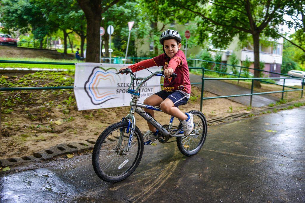 Back to School – Szemléletformáló kerékpáros programot tartott a Sportközpont