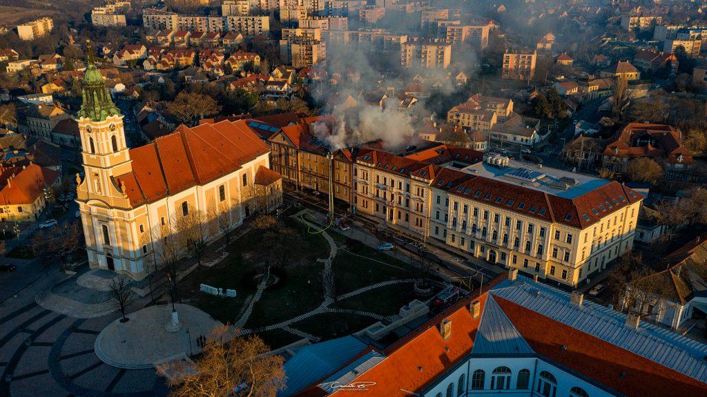 Tűz ütött ki hétfőn hajnalba a szekszárdi börtön épületén