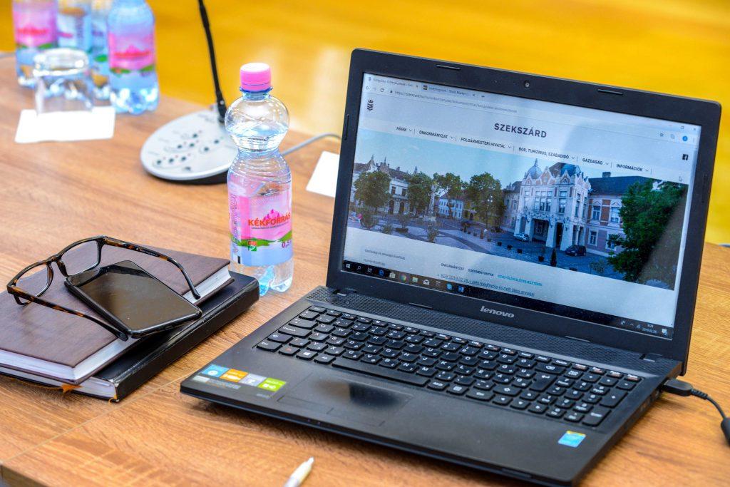 Forgalomtechnikai változtatásokról döntött a Bizottság