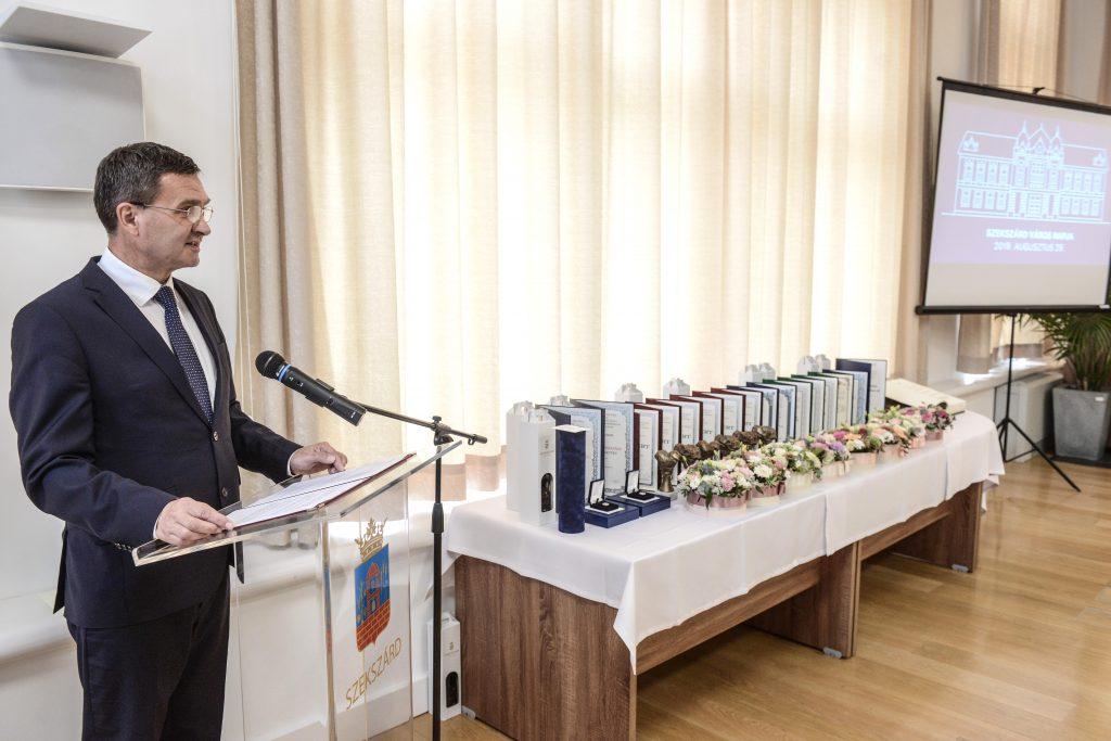 Ács Rezsőt választották újra polgármesternek a szekszárdiak