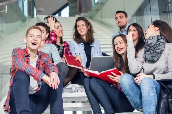 Nyolcvannyolc hallgató kap Bursa ösztöndíjat