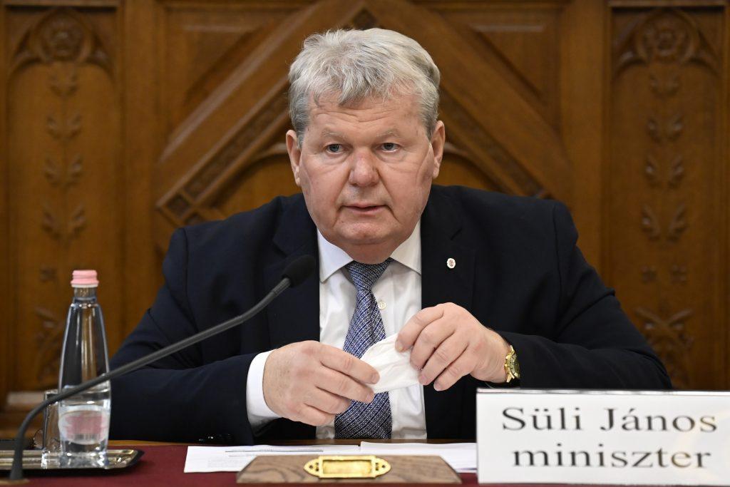 Süli János: a határidőket betartva folytatódik a paksi beruházás